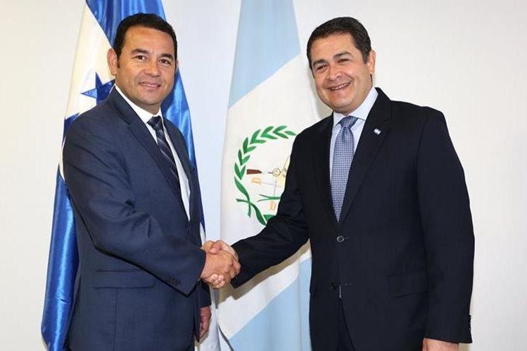 Jimmy Morales y Juan Orlando Hernández agendan reunión en Colombia (Foto Prensa Libre: EFE)