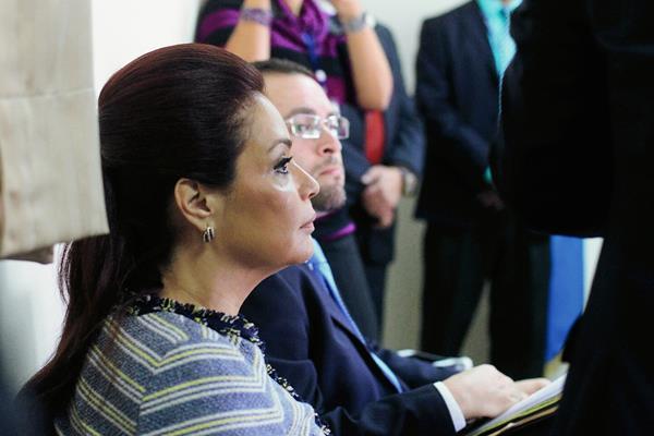 La ex vicemandataria Roxana Baldetti, su esposo e hijos se quedaron sin visa estadounidense. (Foto Prensa Libre: Edwin Bercian)