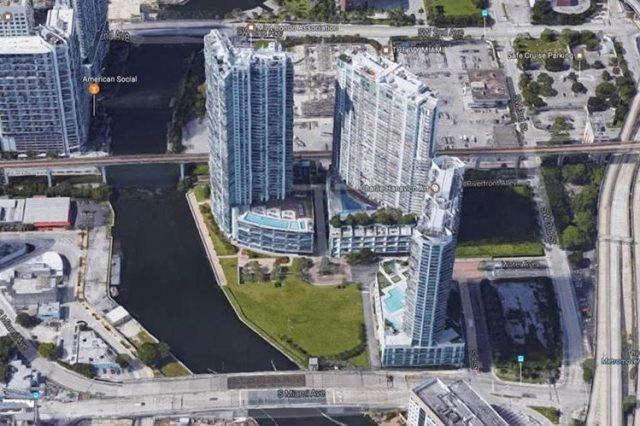 Vista de las torres de apartamentos donde vive el exministro de Energía y Minas Erick Archila. (Foto Prensa Libre: Google)