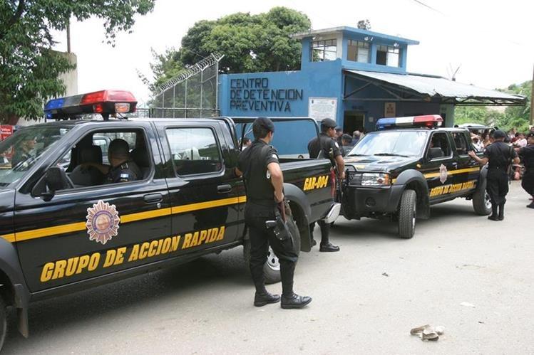 Los cadáveres de los reos fueron encontrados en el sector 11 del preventivo de la zona 18. (Foto Prensa Libre: Hemeroteca PL)