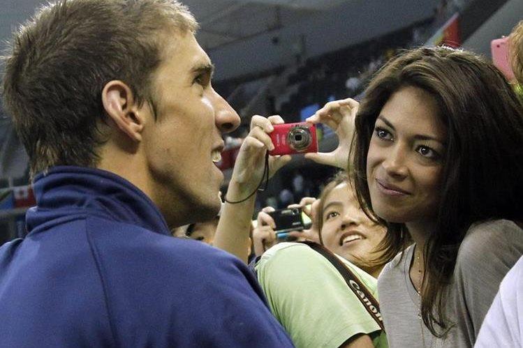 Michael Phelps y su novia Nicole Johnson se convirtieron en padres por primera vez. (Foto Prensa Libre: AP)