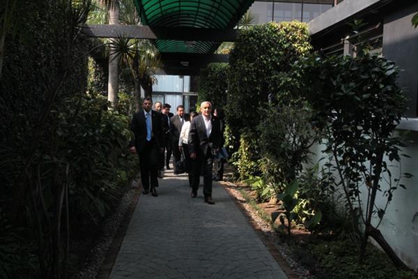 El Presidente Otto Pérez Molina, se reunió a puerta cerrada el 29 de abril con integrantes del G40 conformado por expertos en economía y finanzas. (Foto: Hemeroteca PL)