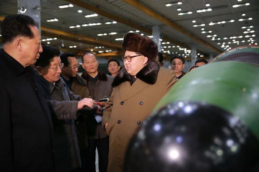 La prensa oficial norcoreana se encargó de difundir las imágenes. (Foto Prensa Libre: AFP).