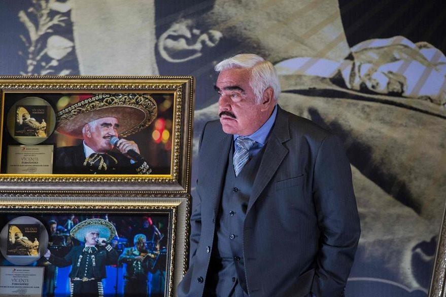 Vicente Fernández ofreció una conferencia de prensa en Guadalajara para  conversar sobre su carrera. (Foto Prensa Libre: AFP)