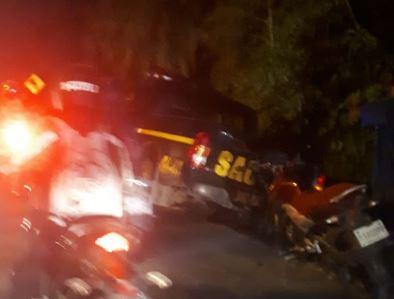 El autopatrulla terminó en una cuneta. (Foto: Emixtra)