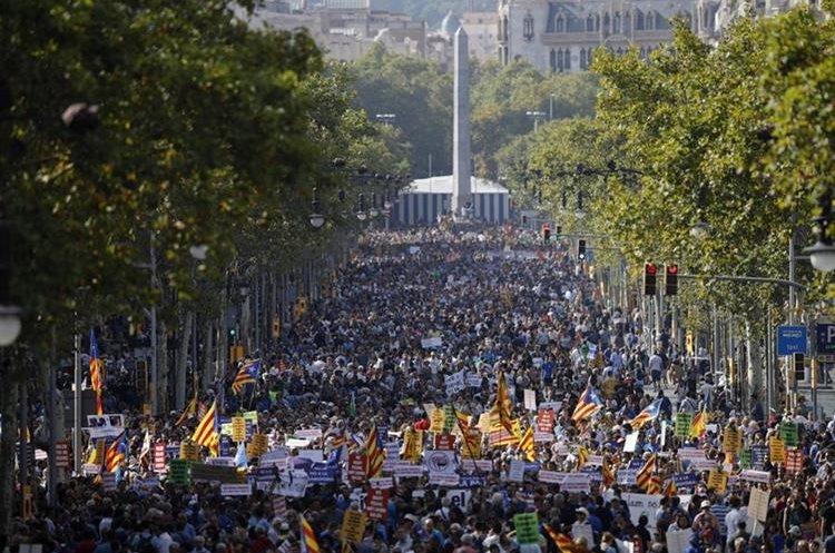 """La manifestación contra el terrorismo en Cataluña que bajo el eslogan """"No tinc por"""" (No tengo miedo).(EFE)."""