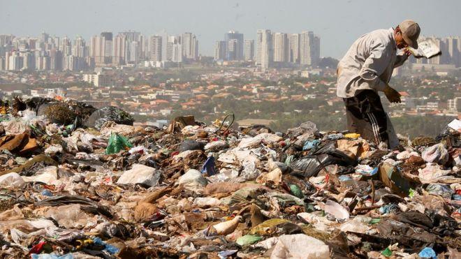 Expertos prevén que la generación de residuos en el mundo aumente en un 70% durante las próximas tres décadas. AFP