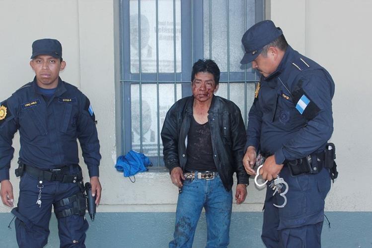 Tomás Tool Guarcas, fue capturado luego de confesar que había matado a su conviviente por celos. (Foto Prensa Libre:Víctor Chamalé)