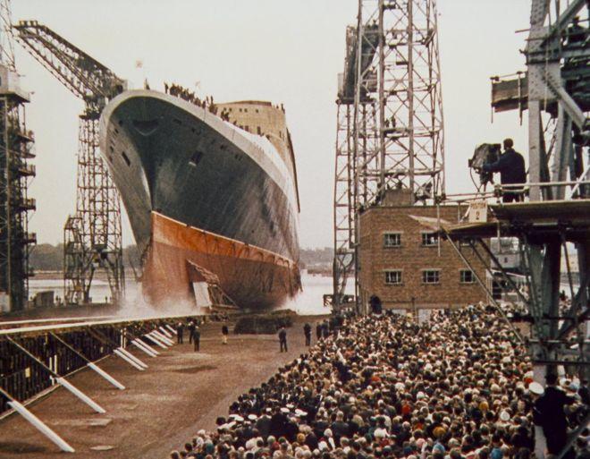 El QE2 fue inaugurado por la reina Isabel II en John Brown and Company, una compañía escocesa de construcción naval, en septiembre de 1967. PA