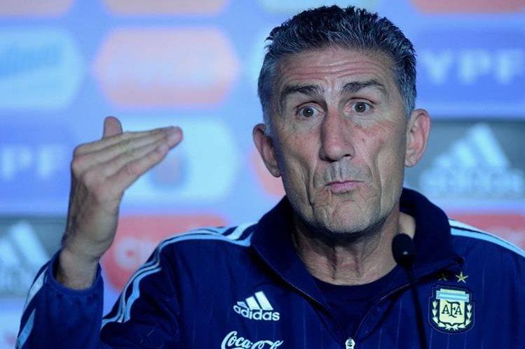 Bauza se prepara para retomar la eliminatoria mundialista de Conmebol con Argentina. (Foto Prensa Libre: Hemeroteca PL)