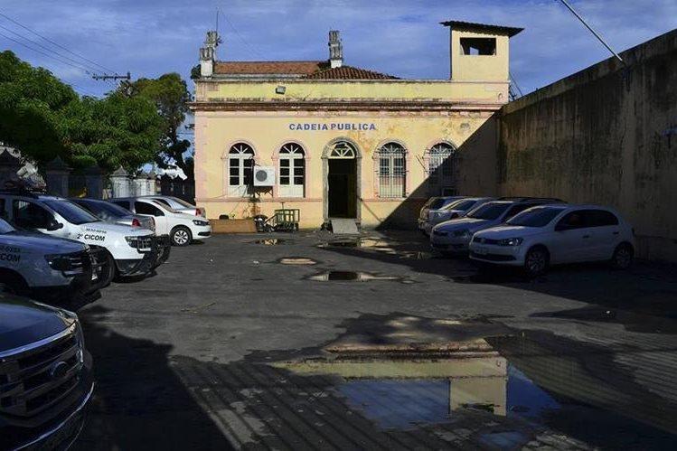 Vista de la Cárcel Pública en Manaos (Brasil) donde el pasado 1 de enero 56 reos fueron masacrados en un motín entre bandas rivales. (Foto Prensa Libre: EFE)