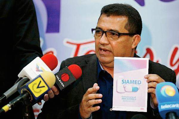 El ministro de Salud, Henry Ventura, anunció el lanzamiento del nuevo Sistema Integrado de Acceso a Medicamentos.(Foto Prensa Libre:EFE)