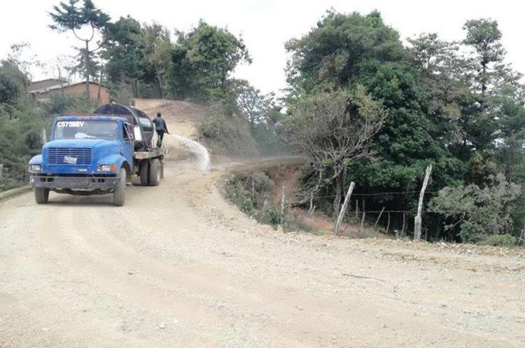 La municipalidad de San Pedro Pinula tuvo que dar marcha atrás a un costoso proyecto de mantenimiento vial que sería adjudicado bajo el estado de Calamidad. (Foto: Hemeroteca PL)
