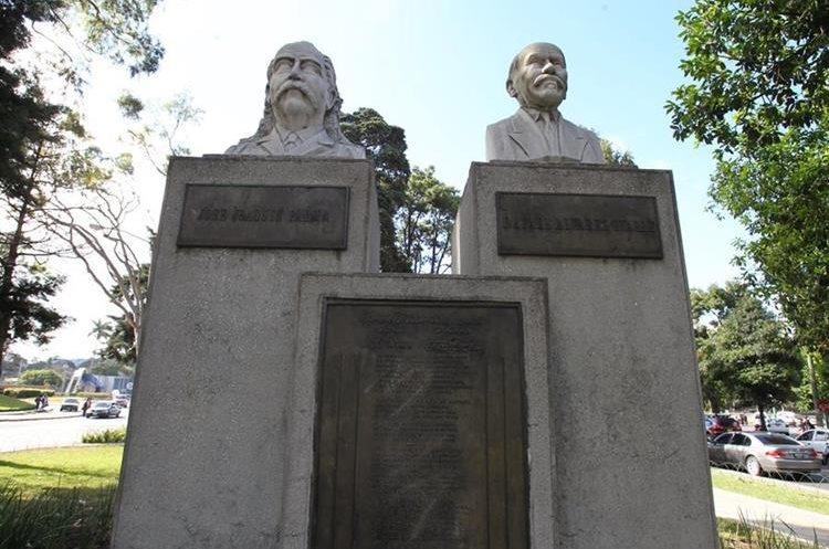 Monumento a los creadores del Himno Nacional que se encuentra en la Avenida Reforma, ciudad de Guatemala.  (Foto: Hemeroteca PL)