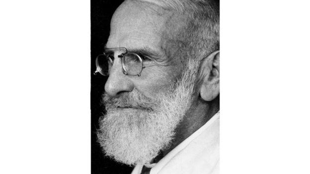 El médico suizo Maximilian Bircher-Benner experimentó con los efectos de los alimentos crudos en el tratamiento de la tuberculosis.GETTY IMAGES