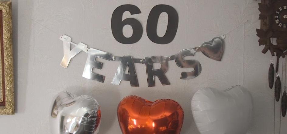 Pareja celebra sus 60 años de casados. (Foto Prensa Libre: YouTube)