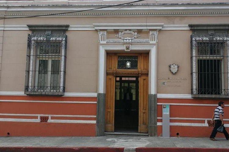 La Casa Ibargüen fue construida en 1778 y sus propietarios fueron la familia Beltranena. La arquitectura es civil con estilo historicista. (Foto Prensa Libre: Edwin Pitán)