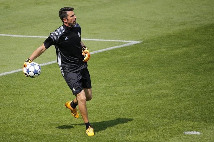Buffon sueña con levantar la orejona. (Foto Prensa Libre: AFP)