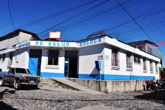 Fachada del puesto de salud en la cabecera de Sololá. (Foto Prensa Libre: Édgar René Sáenz)