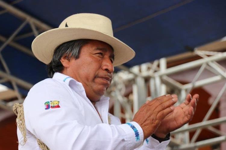 Juan Zapeta es el encargado de aplicar el castigo comunitario. (Foto Prensa Libre: Héctor Cordero)