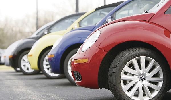 Volkswagen baja en ventas.
