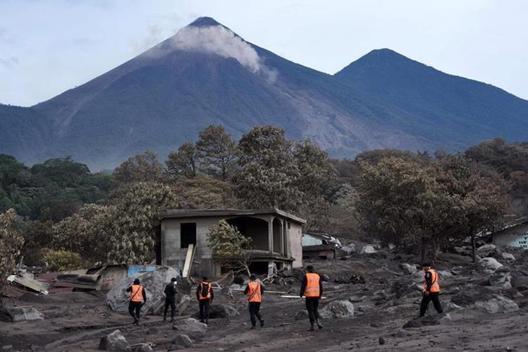 San Miguel Los Lotes, El Rodeo, Escuintla, pasó de ser un pueblo pintoresco a un pueblo fantasma, debido a la erupción del Volcán de Fuego. (Foto Prensa Libre: AFP)