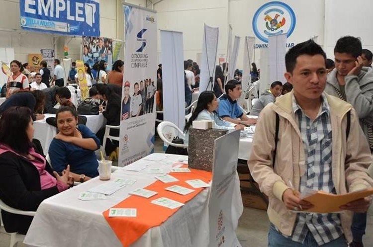 Los organizadores esperan que asistan más de tres mil personas a la Cuarta Feria del Empleo, última del año.(Foto Prensa Libre: Cortesía Omdel)