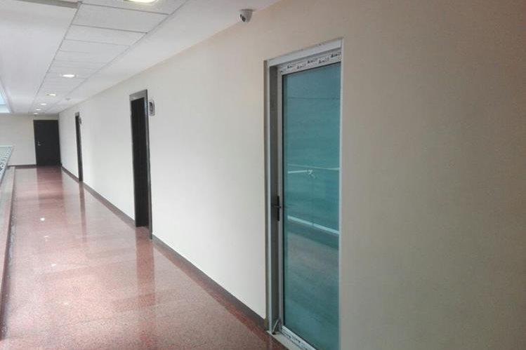 Esta es parte de las oficinas que se ubican en el nivel 11 del edificio Dubái Center, zona 10, las cuales aún no son ocupadas por la SAT. (Foto Prensa Libre: Hemeroteca PL)