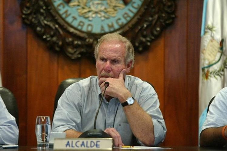 El alcalde capitalino, Álvaro Arzú, es señalado de haber incitado a la violencia. (Foto Prensa Libre: Hemeroteca PL)