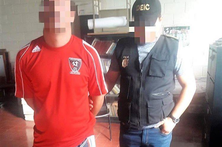 El Primo es el presunto mayor distribuidor de armas del Barrio 18 y también trabajaba para el Sistema Penitenciario. (Foto Prensa Libre: PNC)