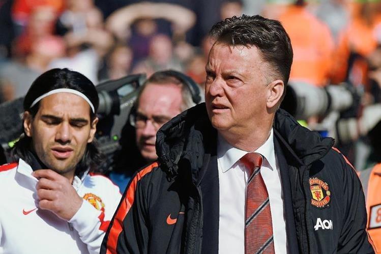 El técnico del Manchester United, Louis van Gaal se encuentra preparado para la gira por Estados Unidos. (Foto Prensa Libre: Hemeroteca PL)