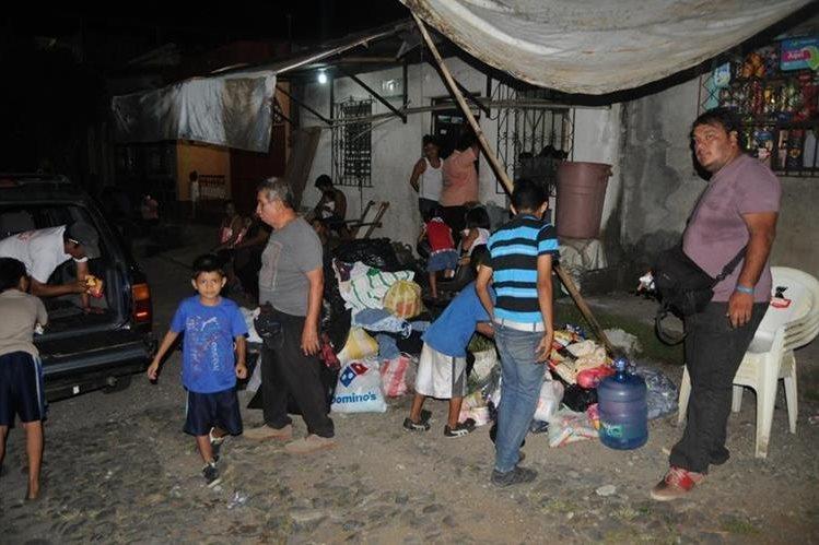 Parte de la ayuda que ha sido reunida para los afectados el incendio en Coatepeque. (Foto Prensa Libre: Alexánder Coyoy).
