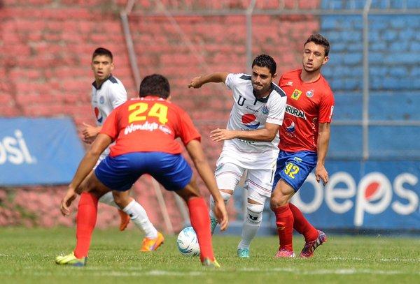 Municipal no convenció en su debut en el Clausura 2016. (Foto Prensa Libre: Francisco Sánchez)