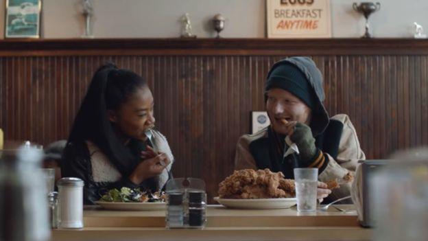 """El video """"Shape of you"""", del cantante Ed Sheeran, fue un éxito mundial. (Foto: Ed Sheeran/YouTube)"""