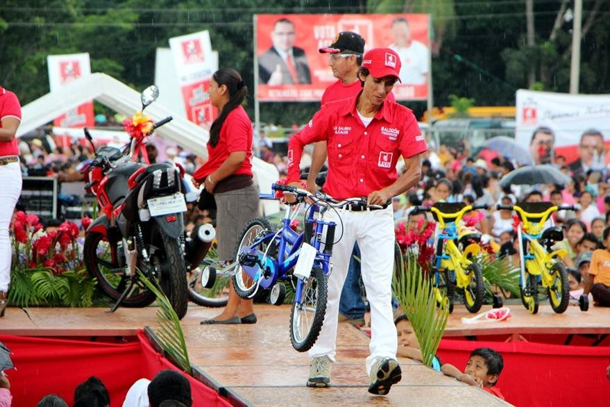 Mitines y caminatas en apoyo al partido Líder y sus candidatos también están prohibidas. (foto Prensa Libre: Hemeroteca PL)