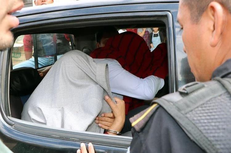 División familiar causa vulnerabilidad juvenil, según expertos. (Foto Prensa Libre: Carlos Ventura)