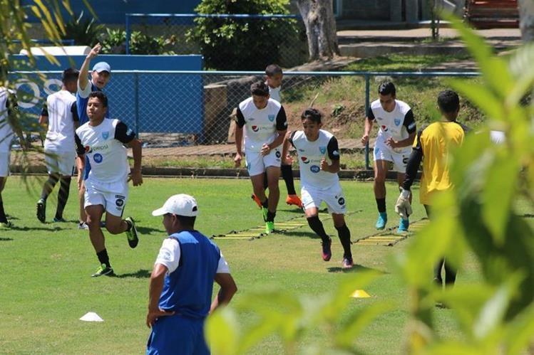 Los jugadores de la Selección de Guatemala Sub 20 se entrenan. (Foto Prensa Libre: Fedefut)