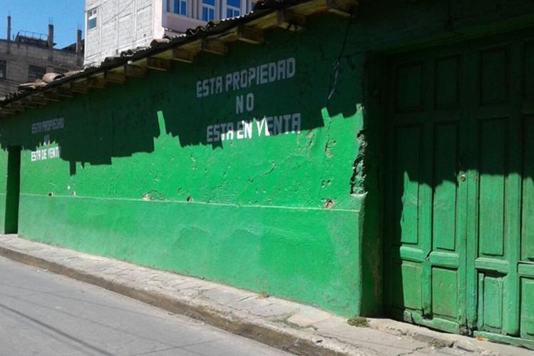 Vivienda de Florencio Morales Mendoza, ubicado en la 8a avenida de la zona 3 de Totonicapán, donde las autoridades hallaron ropa íntima femenina y discos con contenido pornográfico infantil. (Foto Prensa Libre: Cortesía)