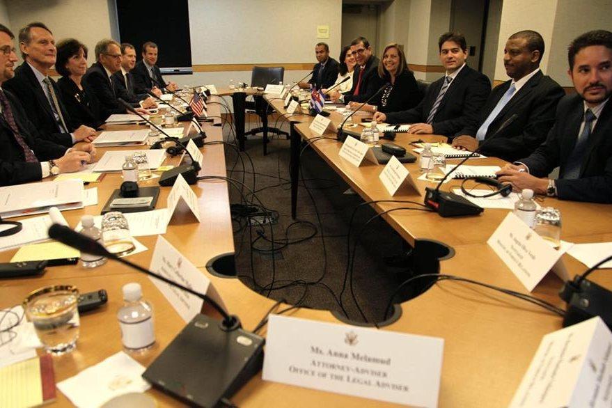 Las delegaciones de Cuba y EE. UU. se reunen en Washington para hablar de la apertura de las embajadas. (Foto Prensa Libre: EFE).