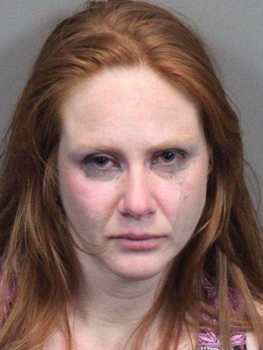Laura Bethe Hesse, de 30 años y originaria de Stead, fue arrestada el martes. (Foto tomada del sitio: rgj.com).