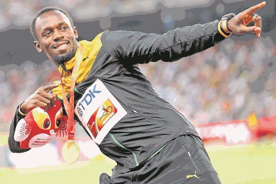 Bolt posa con su gesto característico al ganar la medalla de oro en el evento de 200 metros en el Mundial de Atletismo en Pekín 2015. (Foto: Reuters)