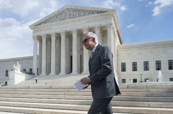 Cámara Baja intercede ante Corte Suprema contra decretos migratorios de Obama.