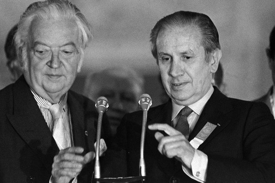 Elección de Juan Antonio Samaranch, derecha, como presidente del COI el 16 de julio de 1980. (Foto: AP)