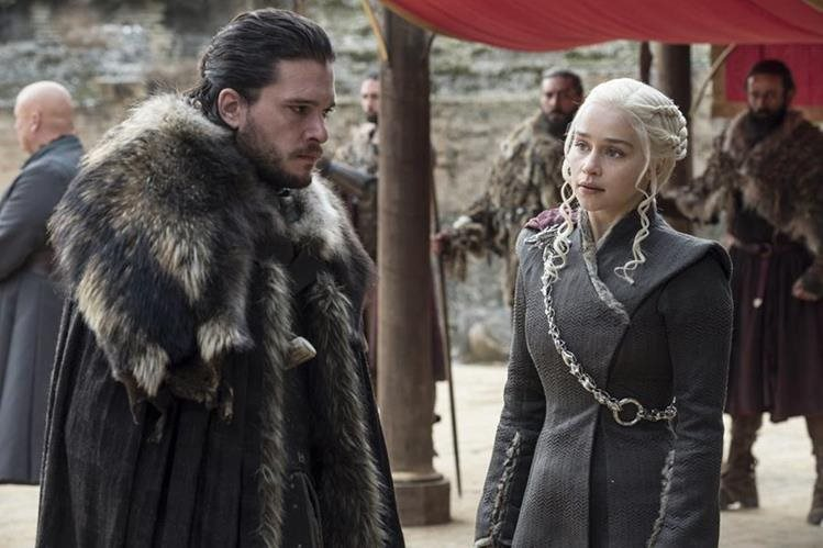"Jon Snow y ""Dany"" Targaryen, durante el episodio final de la séptima temporada de Game of Thrones (Foto Prensa Libre: Macall B. Polay/HBO via AP)."