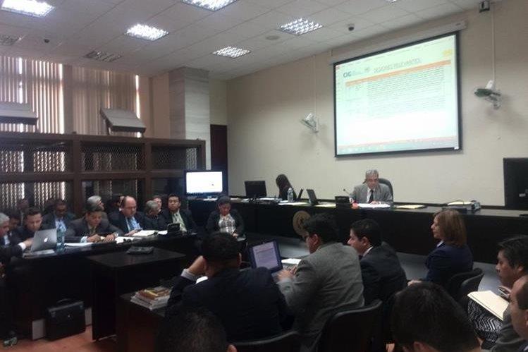 El MP presenta escuchas telefónicas en las que consta la estrategia para desarrollar audiencia de desestimación de demanda contra Aceros de Guatemala. (Foto Prensa Libre: Jerson Ramos)