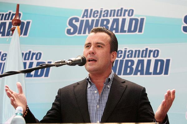 Alejandro Sinibaldi renunció a la candidatura presidenciable del PP. (Foto Prensa Libre: Hemeroteca PL)