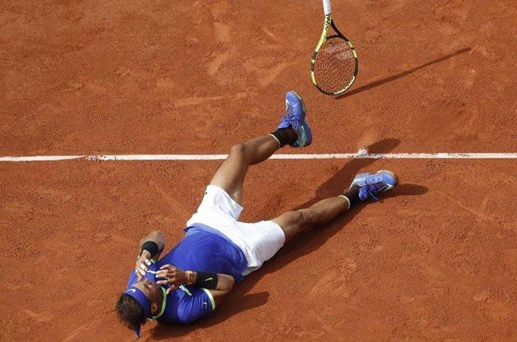 La euforia de Rafa, luego de ganar el último punto. (Foto Prensa Libre: AP)