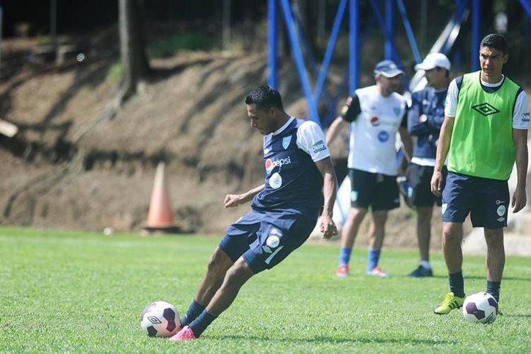 El delantero Gerson Tinoco está ansioso por estrenarse como goleador con el combinado patrio. (Foto Prensa Libre: Francisco Sánchez)