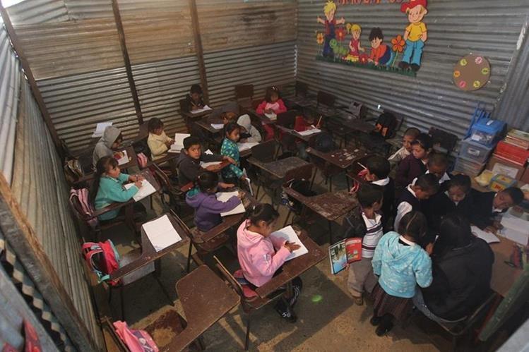 La condición para las familias beneficiadas es tener niños que asistan a la escuela y al centro de Salud.(Foto Prensa Libre: Hemeroteca PL)