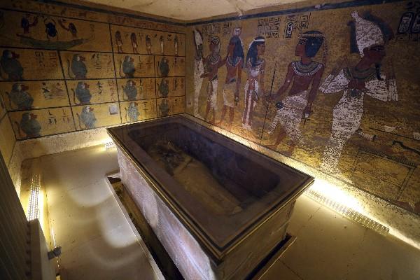 Interior de la cámara funeraria de Tutankamón, en el Valle de los Reyes.
